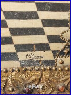 Signé M. V. Thomas PYROGRAVURE JEANNE d'ARC 71x38. Incrustées pierres et métal
